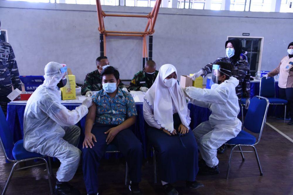 Kodiklat TNI AL Gelar Serbuan Vaksin Covid untuk Anak U-12 Sampai 17