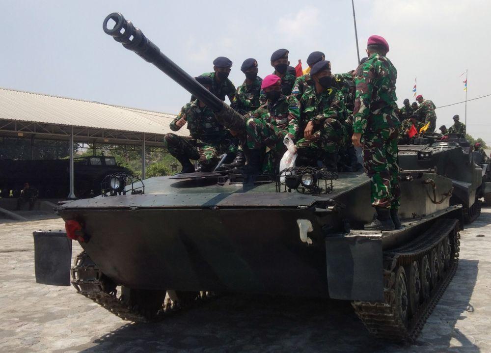 Siswa TNI AL Satdik 2 Kodiklatal Makassar Orientasi Pekan Integrasi