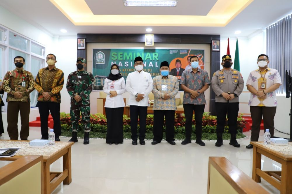 Hadir Kepala Staf Kepresidenan di Seminar Nasional IAIN Kediri