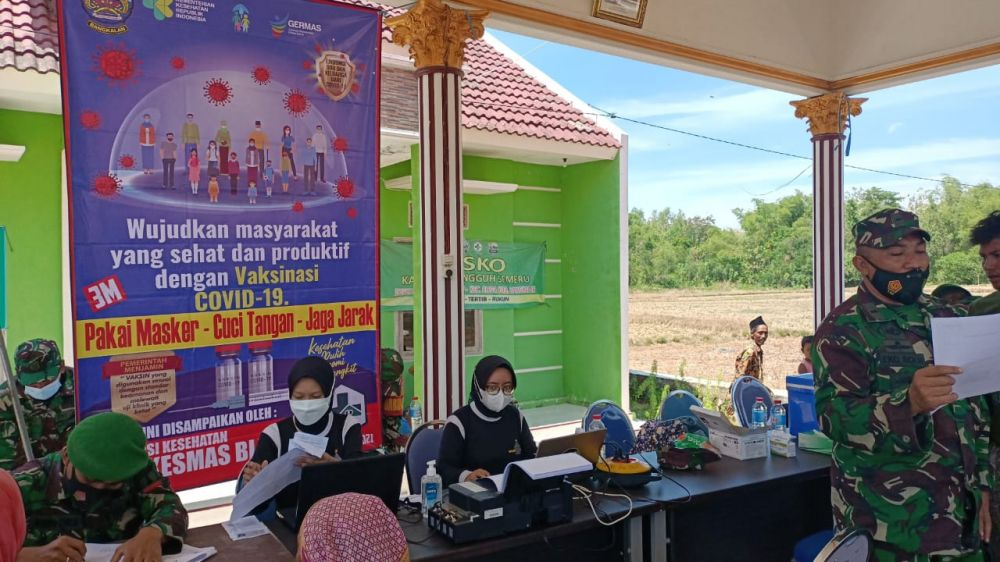 Warga Blega Bangkalan Tingkatkan Kesadaran Ikuti Vaksin