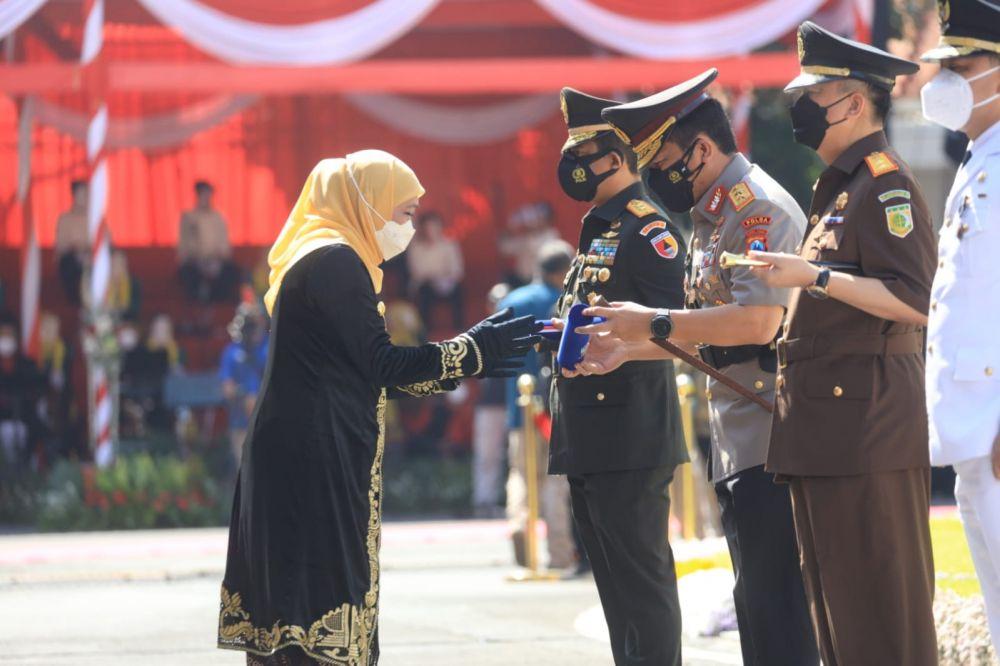 Kapolda Jatim, Pangdam V Brawijaya dan Kajati Dapatkan Penghargaan