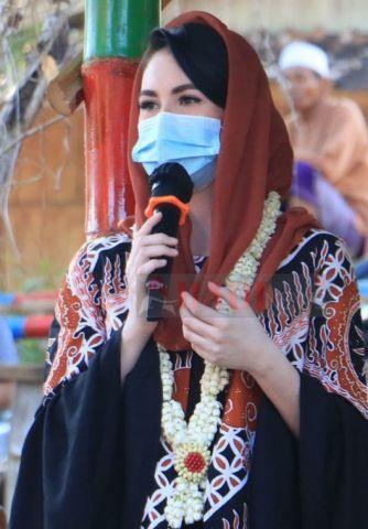 Putri Indonesia, Arumi Semangati Generasi Muda Kampong Tengger Sampang