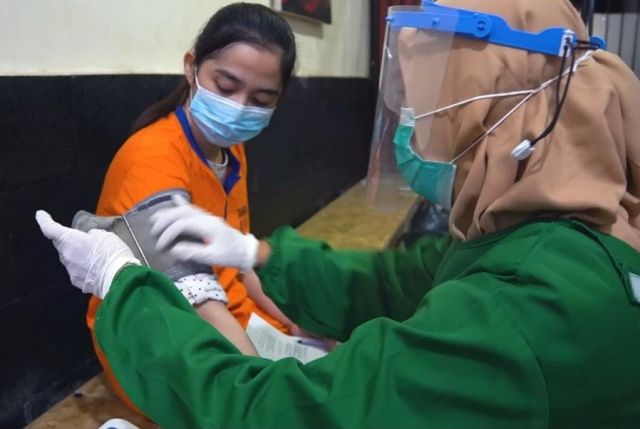 Polres Gresik Gelar Vaksin Demi Memutus Sebaran Covid di Tahanan