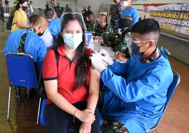 Program Vaksin ke-2, Warga Ucapkan Terimakasih pada Kodiklat TNI AL