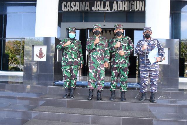 Tangani Covid, Dankodiklat TNI AL Terima Kunker Danlantamal V Surabaya