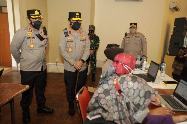 Kapolda Jatim Cek Vaksin di Gedung Sasana Praja Ponorogo