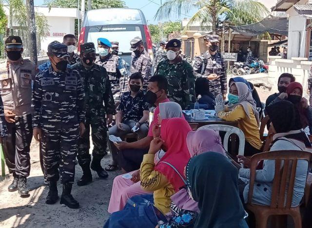 TNI AL Gelar Serbuan Vaksin Dosis ke-2 di Karimunjawa Jepara