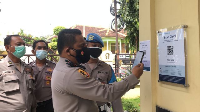 Aplikasi PeduliLindungi Mulai Diberlakukan Polresta Banyuwangi