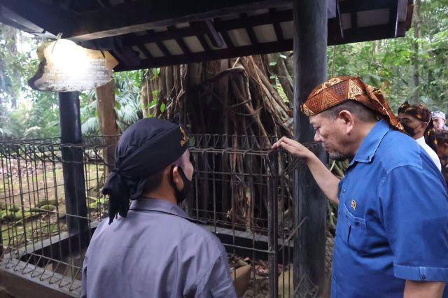 Ketua DPD RI Ziarah ke Makam Penyebar Agama Islam Utusan Cirebon